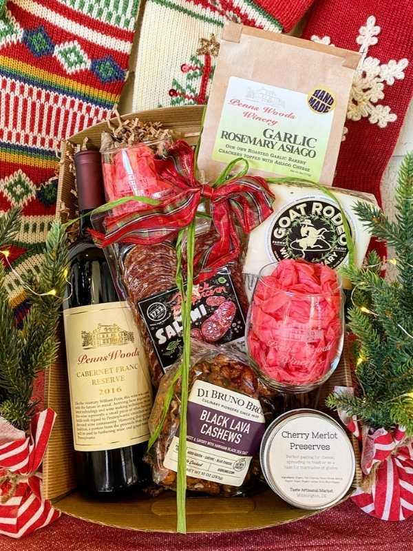 Red Wine & Charcuterie Gift Package